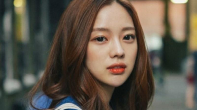 僅靠眼線筆就能讓眼睛大一倍?韓妞都在畫的「臉讚妝」你Get了嗎?
