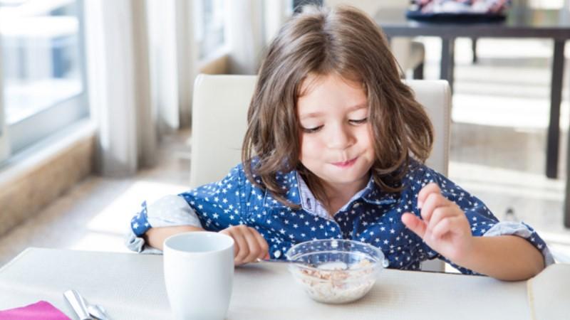 對付肌膚疑難雜症很有效!豆漿+優格的推薦吃法,就是從日本櫻花妹傳過來的!