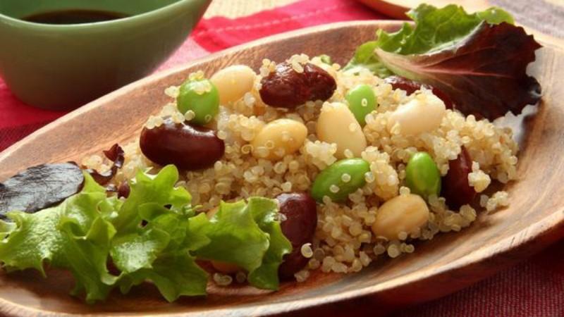 有美肌和解決便祕的功效?!加「藜麥」也能超美味的3種料理方法,尤其沙拉最被網友推薦!