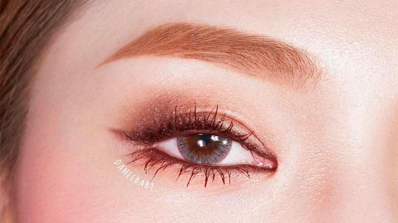 今年秋天一定會用到,楓葉色眼妝提升迷濛柔和感就靠它!五大韓系棕色眼線筆評比