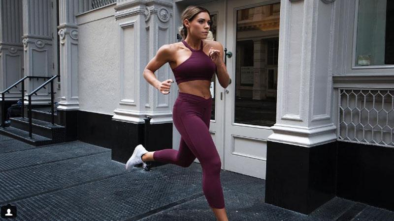 維護一下胖胖的尊嚴,跟著她的IG動吃動!容易發胖的冬天更要養成運動習慣!