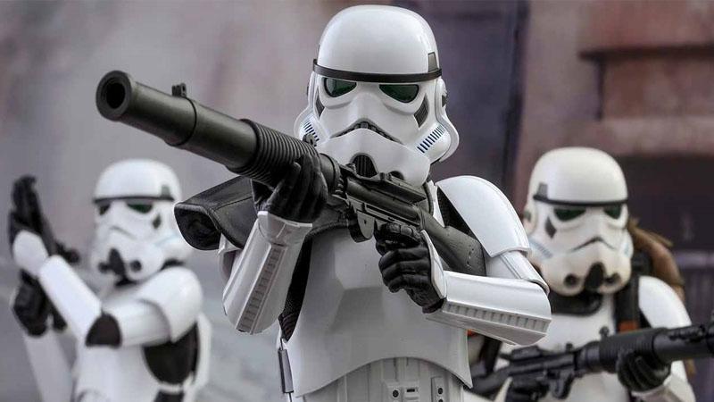帝國白兵穿上了青花瓷鎧甲,從遙遠的銀河系穿越到香港