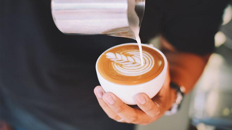 咖啡控人格分析,常點冰咖啡的人,個性大膽又好奇